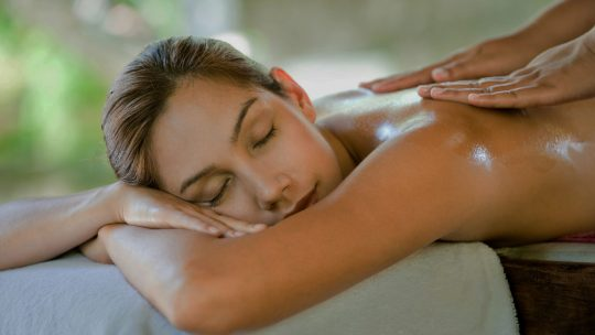 Massage naturiste relaxant, un havre de relaxation